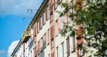Власти Нижнекамска проинспектировали ход капремонта многоэтажек