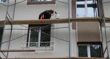 В Елабуге обновляют фасады домов